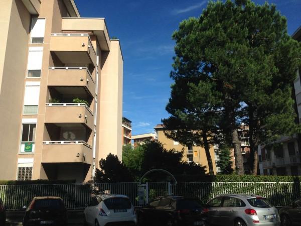 Appartamento in vendita a Gallarate, Arredato, con giardino, 100 mq