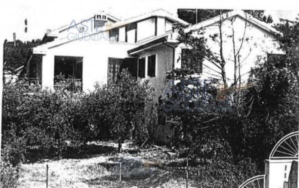 Villa in vendita a Montale, Con giardino, 371 mq - Foto 1