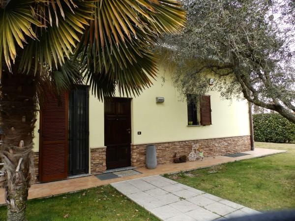 Villa in vendita a Inverigo, Con giardino, 287 mq