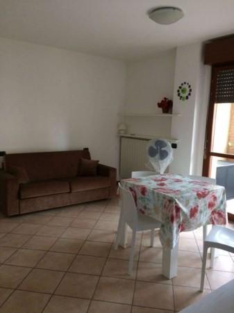 Appartamento in affitto a Cesate, Arredato, 40 mq