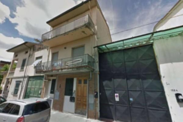 Appartamento in vendita a Prato, San Paolo, 72 mq