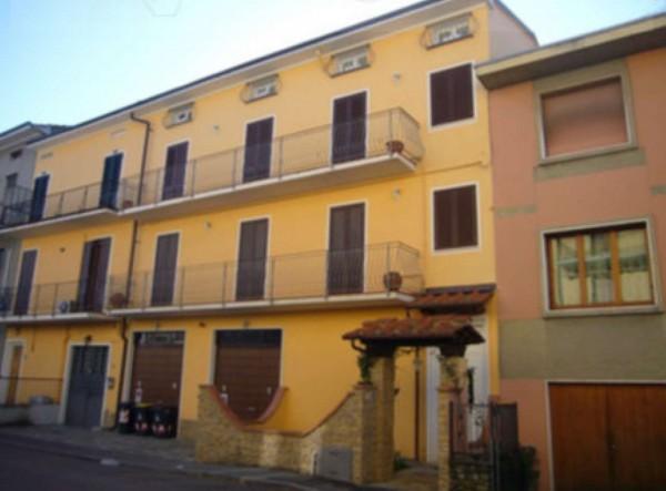 Appartamento in vendita a Prato, 162 mq
