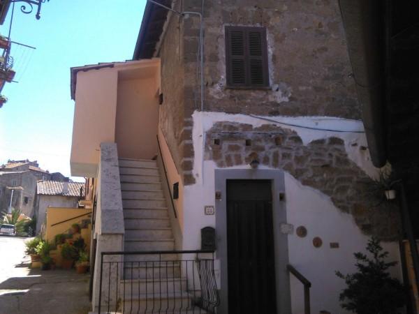 Appartamento in vendita a Vetralla, 55 mq