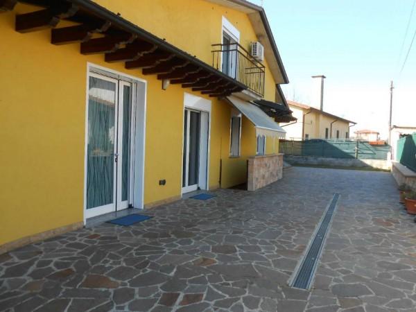 Villa in vendita a Bagnolo Cremasco, Residenziale, Con giardino, 190 mq