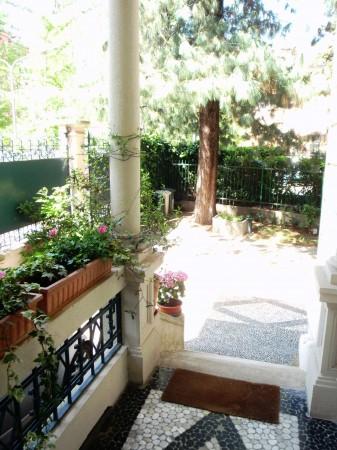 Villa in vendita a Milano, Con giardino, 500 mq - Foto 1