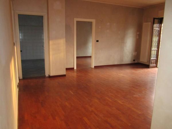 Appartamento in affitto a Moncalieri, Borgo Mercato, 90 mq