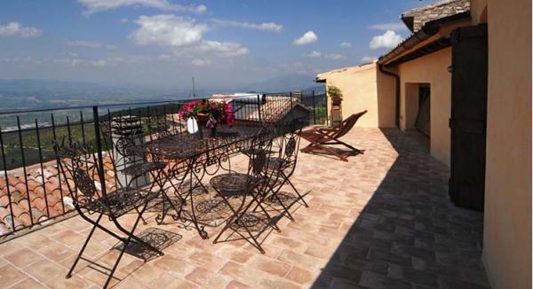 Appartamento in vendita a Trevi, Frazione, 80 mq