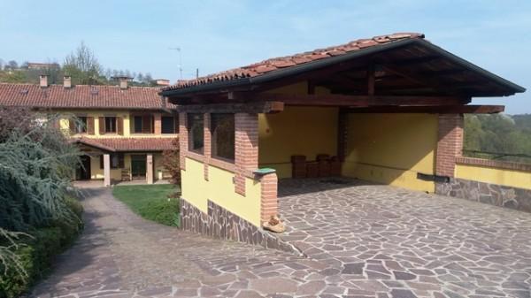 Locale Commerciale  in vendita a Cossombrato, Agricola, Con giardino, 271 mq - Foto 1