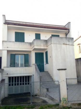 Casa indipendente in vendita a Castrignano del Capo, Centro, Con giardino, 190 mq