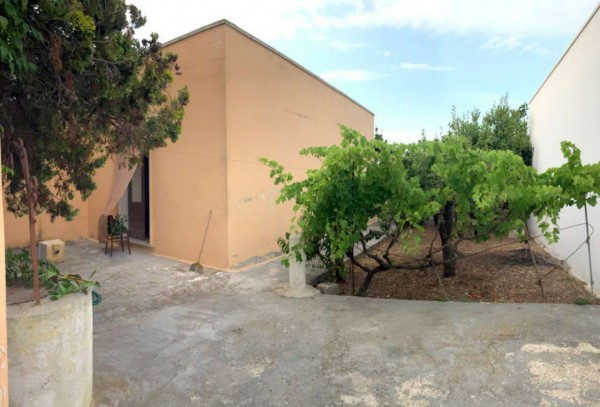 Casa indipendente in vendita a Lecce, Torre Rinalda, Con giardino, 50 mq