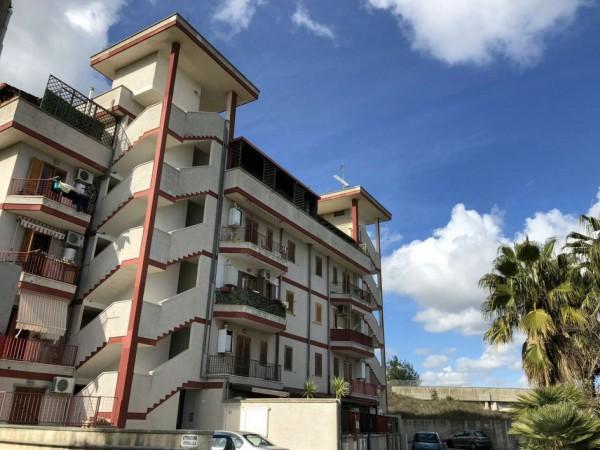 Appartamento in vendita a Lecce, C/o Viale Della Repubblica, Arredato, con giardino, 50 mq