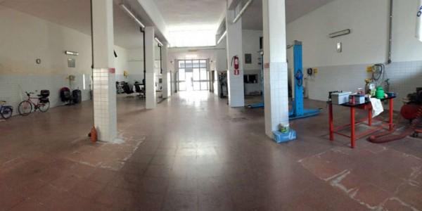 Locale Commerciale  in vendita a Lecce, Zona Rudiae, Con giardino, 320 mq - Foto 13