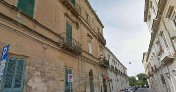 Appartamento in vendita a Lecce, C/o Castello Carlo V, 120 mq