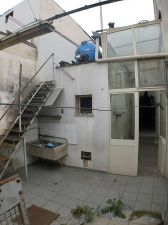 Casa indipendente in vendita a Monteroni di Lecce, Traversa Corso Umberto I, Con giardino, 150 mq - Foto 2