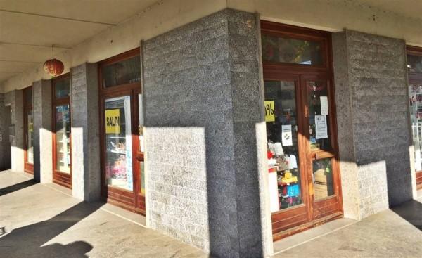 Negozio in vendita a Città di Castello, La Tina, 265 mq - Foto 1
