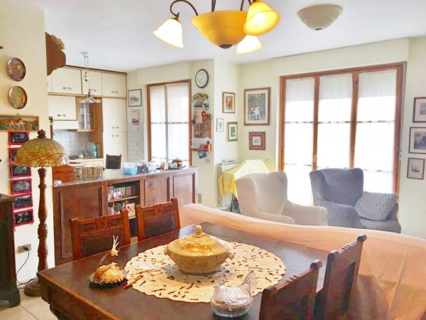 Appartamento in vendita a Città di Castello, Riosecco, 100 mq
