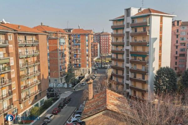 Appartamento in vendita a Milano, Con giardino, 55 mq