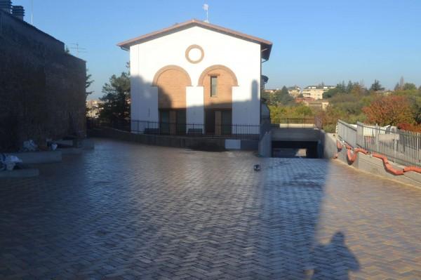 Appartamento in vendita a Viterbo, Con giardino, 78 mq