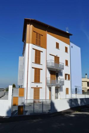 Appartamento in vendita a Viterbo, Con giardino, 67 mq