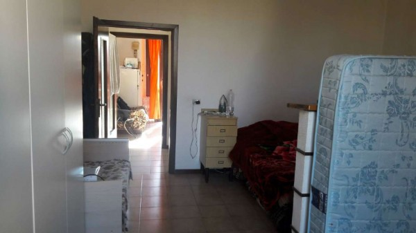 Appartamento in vendita a Gallarate, Arredato, con giardino, 60 mq