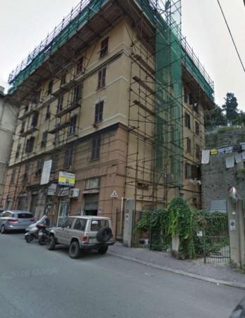Appartamento in vendita a Genova, Dinegro, 75 mq