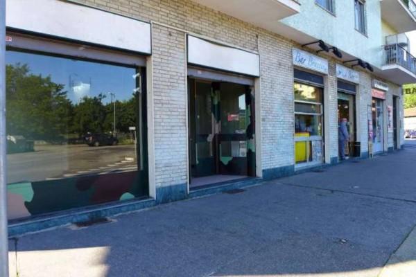 Negozio in vendita a Torino, San Paolo, 52 mq