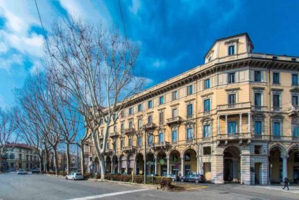 Appartamento in vendita a Torino, Piazza Solferino, 150 mq