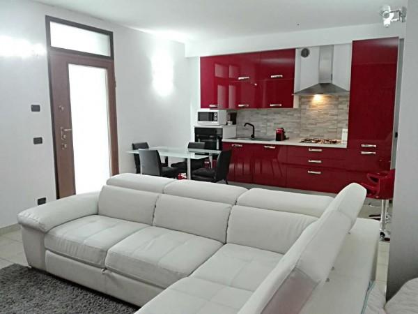 Appartamento in vendita a Nova Milanese, Centro, Con giardino, 55 mq