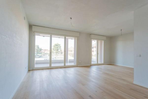 Appartamento in vendita a Cernusco sul Naviglio, Con giardino, 156 mq