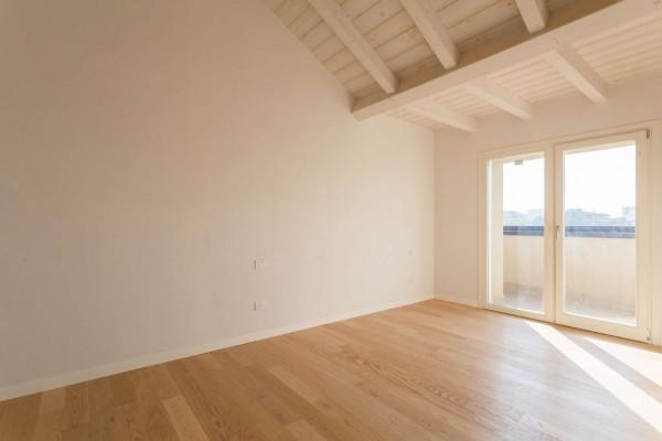 Appartamento in vendita a Cernusco sul Naviglio, Con giardino, 164 mq