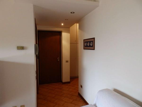 Appartamento in vendita a Carate Brianza, Centro Sportivo, 69 mq - Foto 5