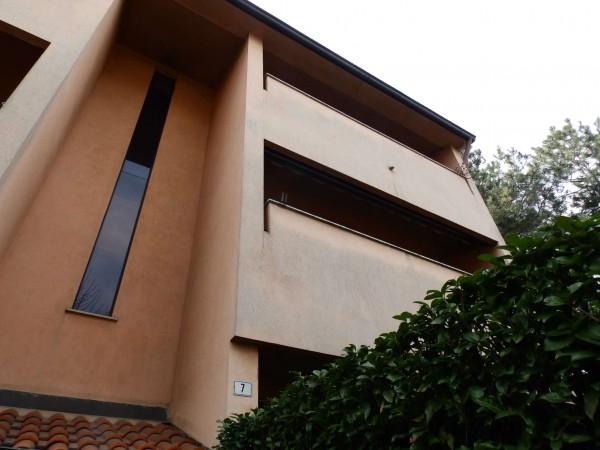 Appartamento in vendita a Carate Brianza, Centro Sportivo, 69 mq - Foto 1