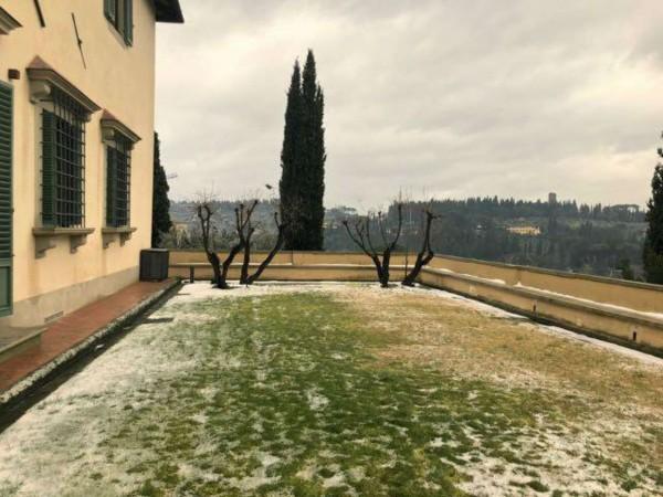 Villa in vendita a Firenze, Con giardino, 1000 mq