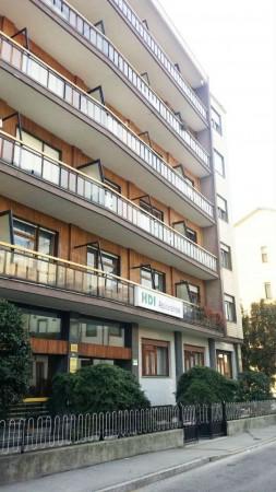 Appartamento in vendita a Nichelino, Crocera, 70 mq