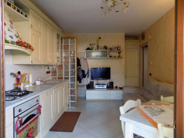 Appartamento in affitto a Senago, Con giardino, 60 mq