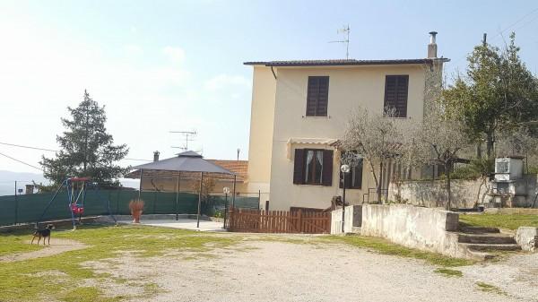 Casa indipendente in vendita a Trevi, Frazione Matigge, Con giardino, 110 mq