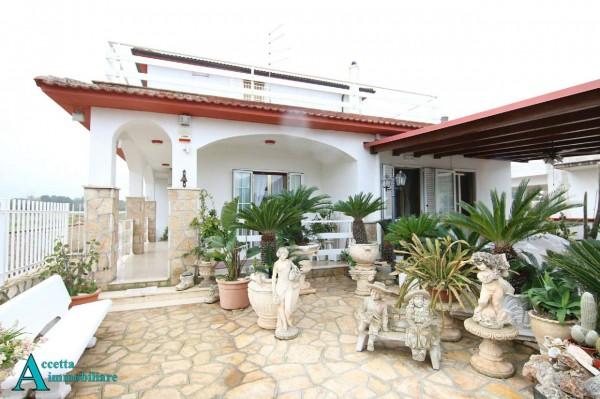 Villa in vendita a Taranto, Residenziale, Con giardino, 370 mq