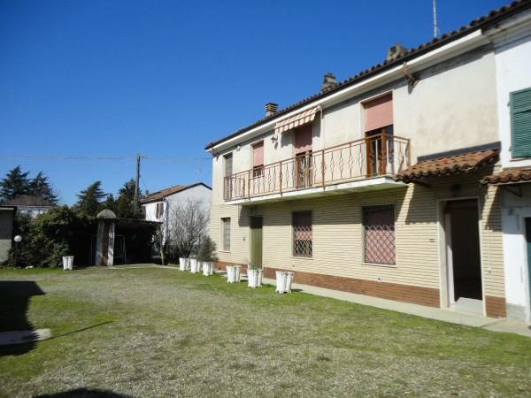 Casa indipendente in vendita a Alessandria, Con giardino, 170 mq