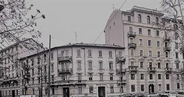 Appartamento in vendita a Milano, 280 mq