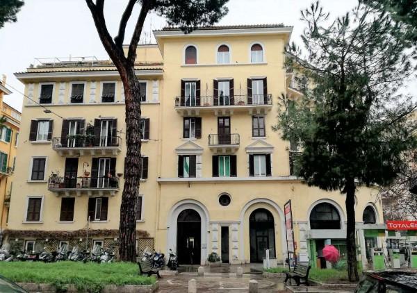 Appartamento in vendita a Roma, Con giardino, 100 mq