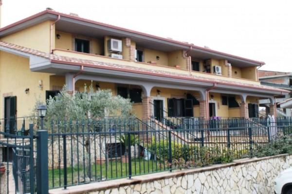 Villetta a schiera in vendita a Roma, Case Rosse, Con giardino, 260 mq