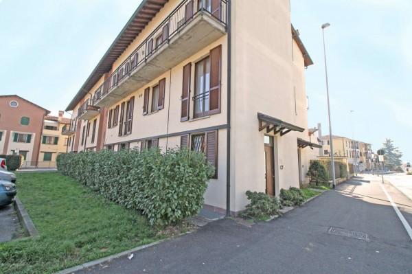 Appartamento in vendita a Cassano d'Adda, Groppello, Con giardino, 70 mq