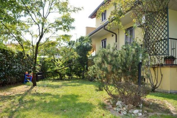 Villetta a schiera in vendita a Forlì, Con giardino, 158 mq