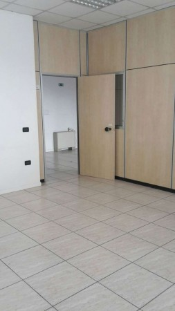 Ufficio in affitto a Forlì, Industriale, 140 mq
