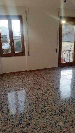 Appartamento in vendita a Oristano, Semi Centrale, 77 mq