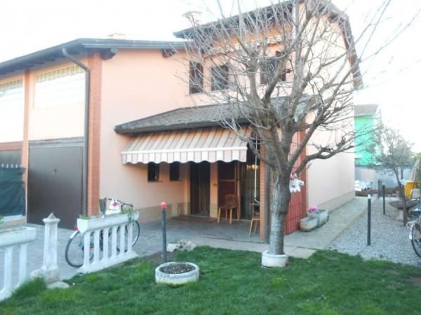 Villa in vendita a Spino d'Adda, Residenziale, Con giardino, 170 mq