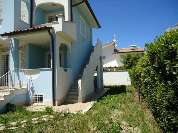 Villa in affitto a Fiumicino, Fregene, Con giardino, 150 mq