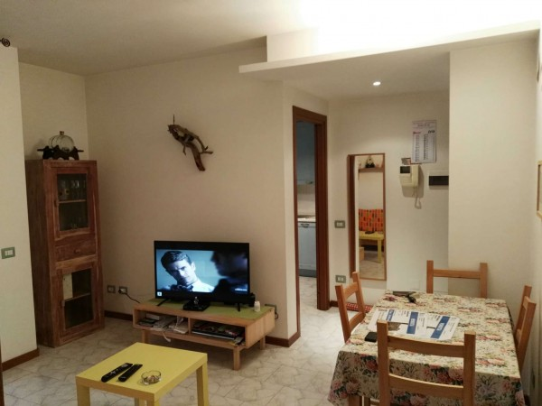 Appartamento in affitto a Arluno, Zona Orologio, Arredato, con giardino, 60 mq