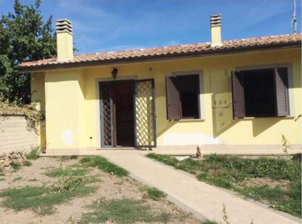 Casa indipendente in vendita a Vetralla, Con giardino, 60 mq - Foto 1