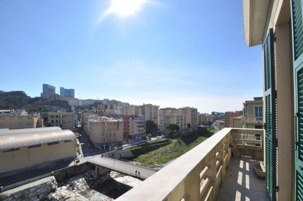 Appartamento in vendita a Genova, Sestri Ponente, 75 mq